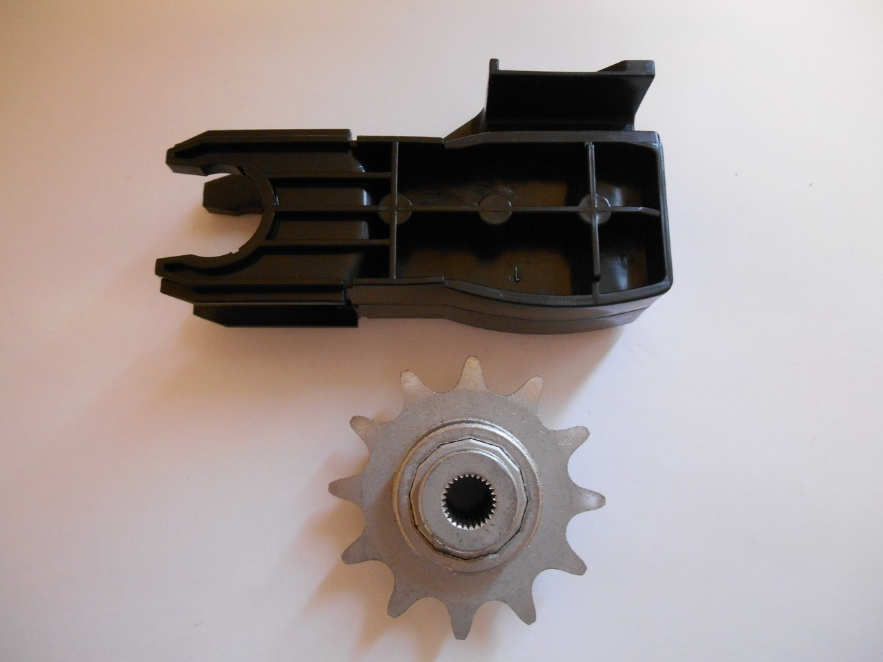Genie 37559r S Garage Door Opener Chain Drive Sprocket